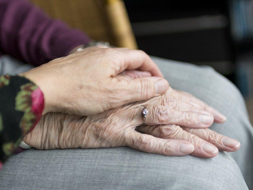 O wczesnych objawach Alzheimera i reagowaniu na podejrzenie choroby
